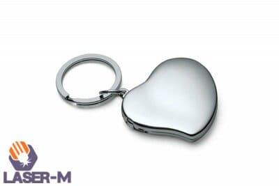 Брелок с металлическим сердцем